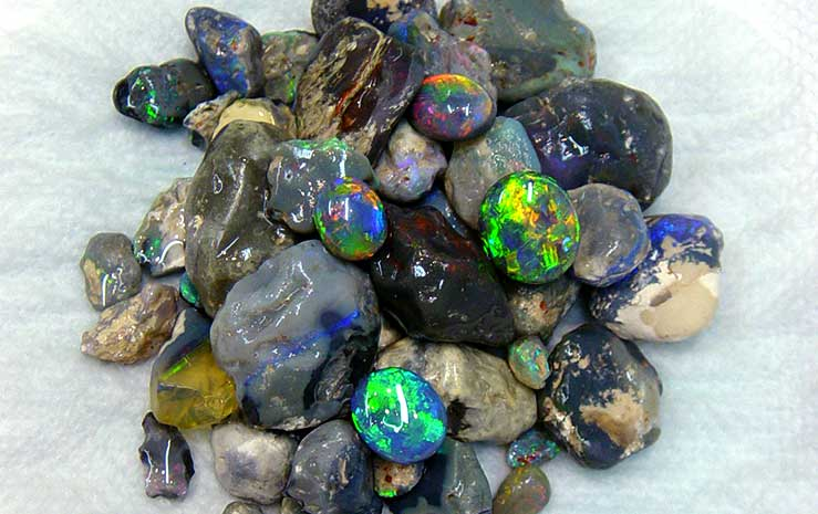 rough black opal